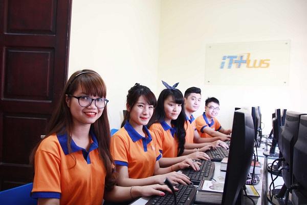 http://itplus-academy.edu.vn/upload/4-6/hoc%20ngoai%20gio.jpg